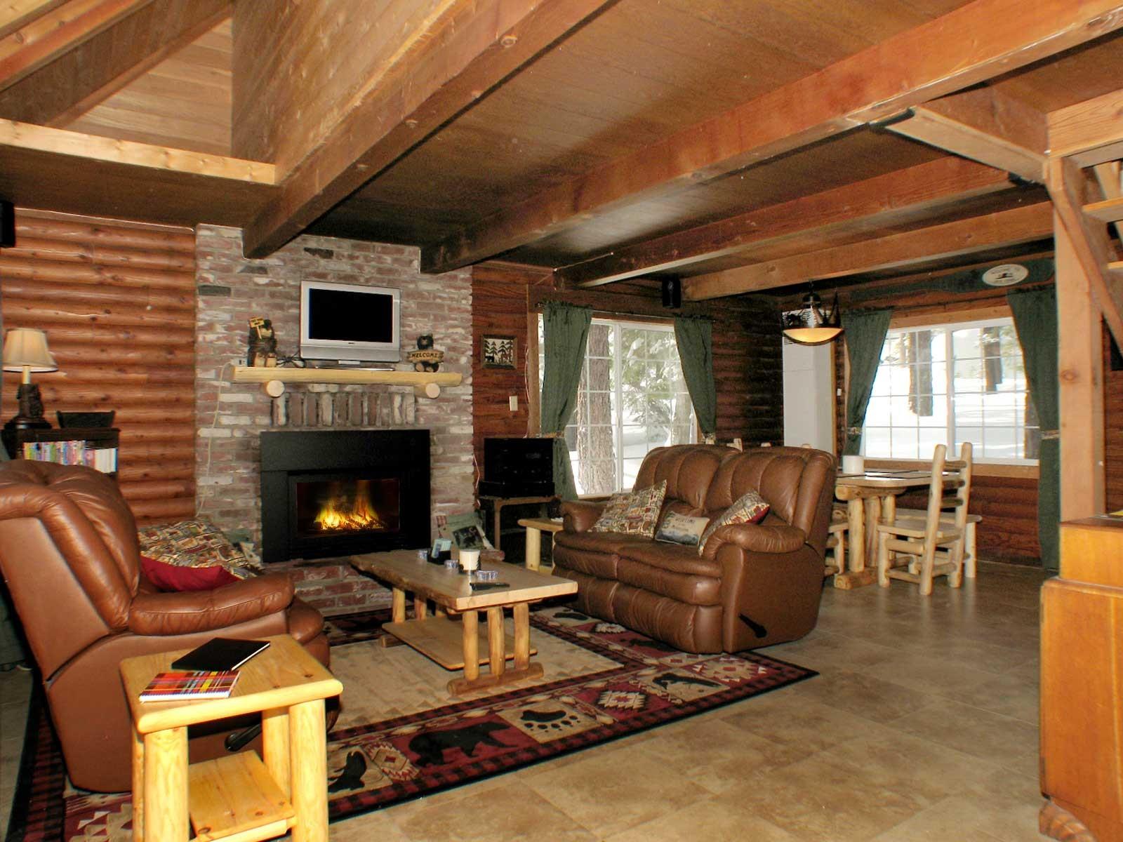 South Lake Tahoe Cabin Rental-Smokies Den