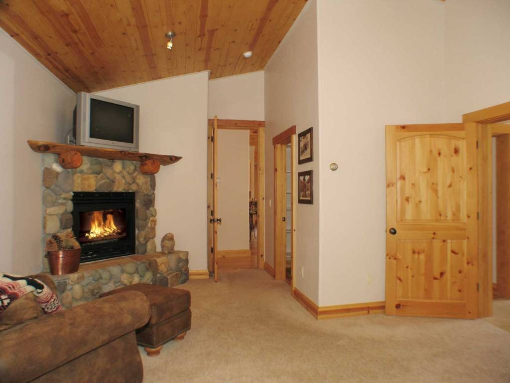 wonderful vacation home in lake tahoe white wolf lodge